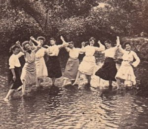 Women Victorian in Pond